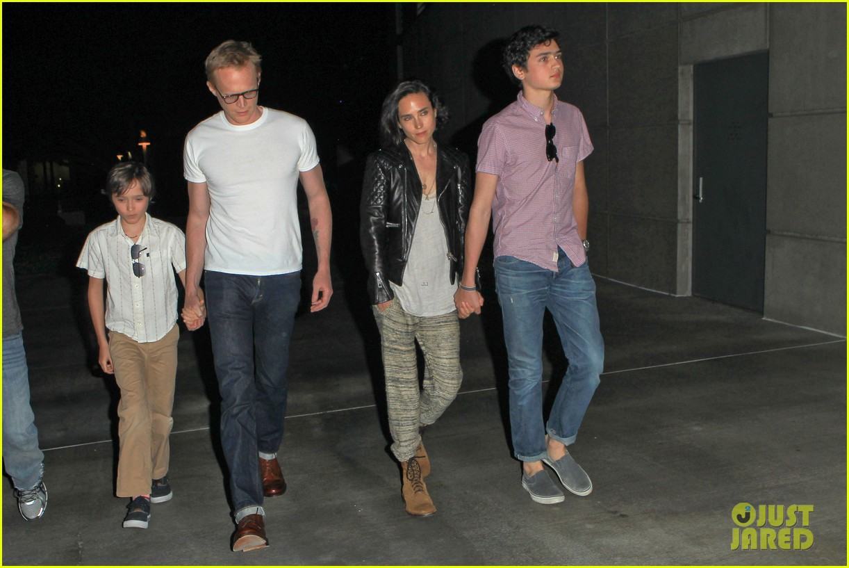 jennifer connelly paul bettany rolling stones concert with the kids 062864058