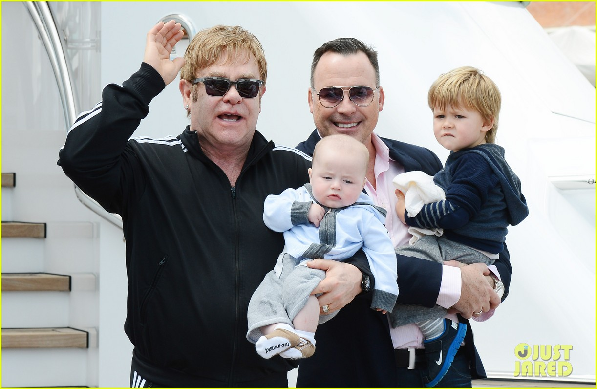 elton john david furniss family trip with zachary elijah 032879964