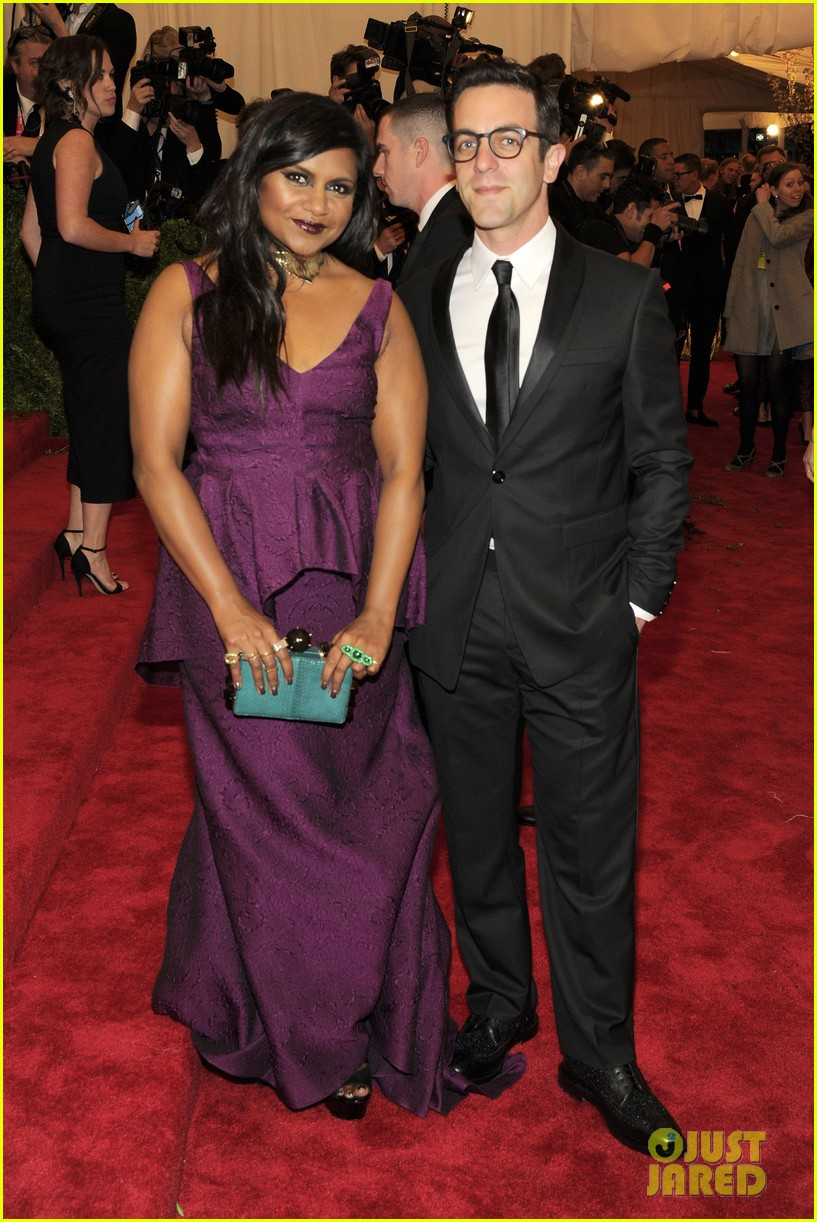 mindy kaling met ball 2013 red carpet with bj novak 032865854