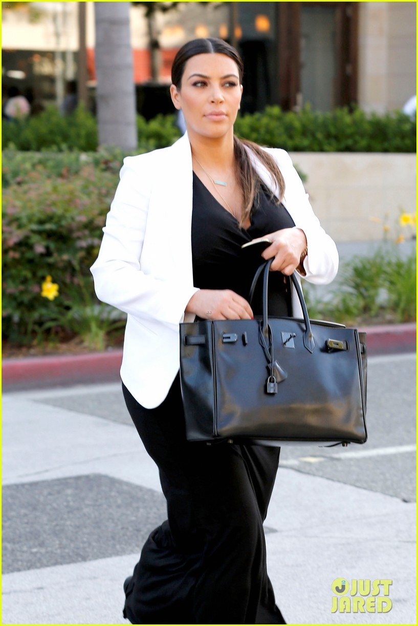 pregnant kim kardashian black white is chic for spring 202877668