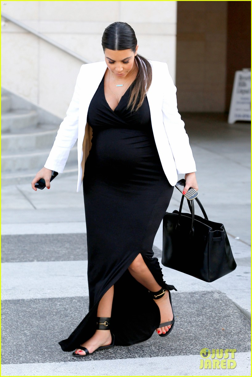 pregnant kim kardashian black white is chic for spring 222877670