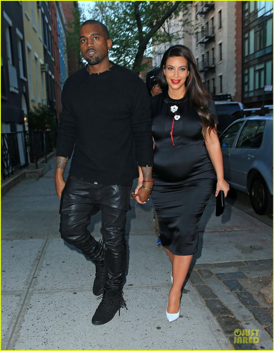 kim kardashian pregnant dinner date with kanye west 012864562