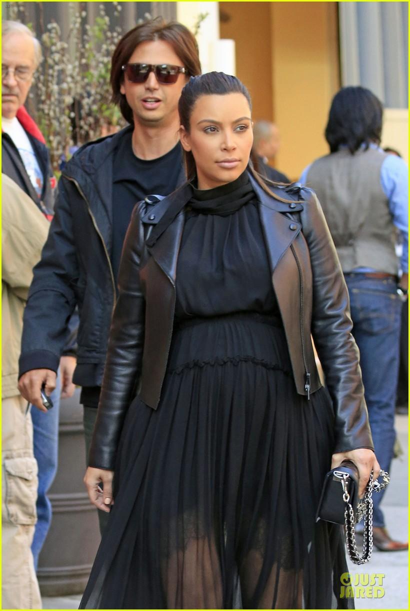 kim kardashian pregnant dinner date with kanye west 042864565