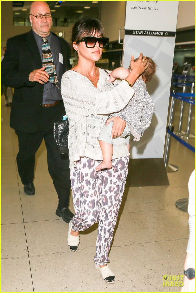kim kardashian jetlagged flight with kourtney khloe 132863200
