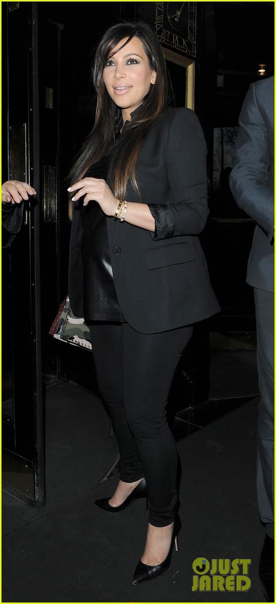 kim kardashian pregnant leather lady at beyonce concert 132861934