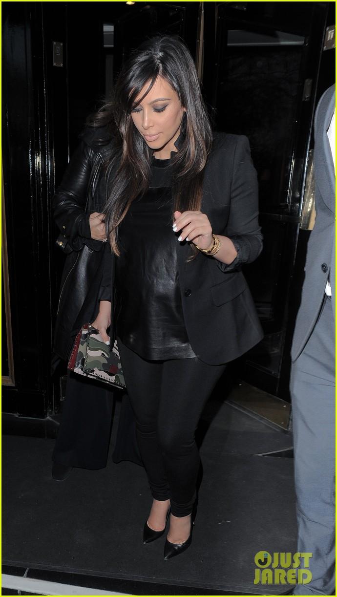 kim kardashian pregnant leather lady at beyonce concert 202861941