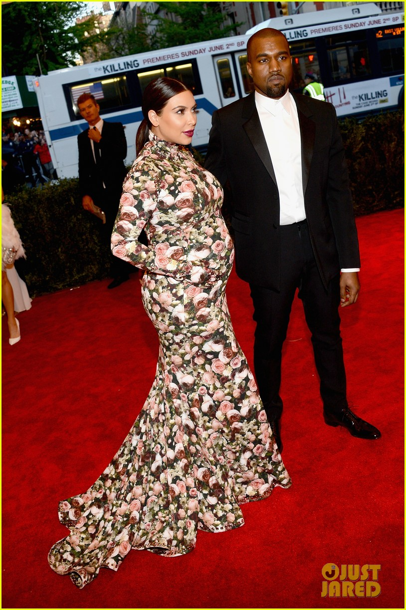 kim kardashian kanye west met ball 2013 red carpet 03