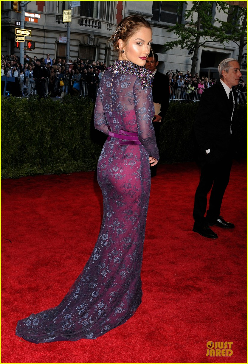 minka kelly met ball 2013 red carpet 032865107