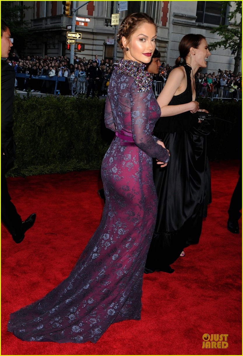minka kelly met ball 2013 red carpet 082865112