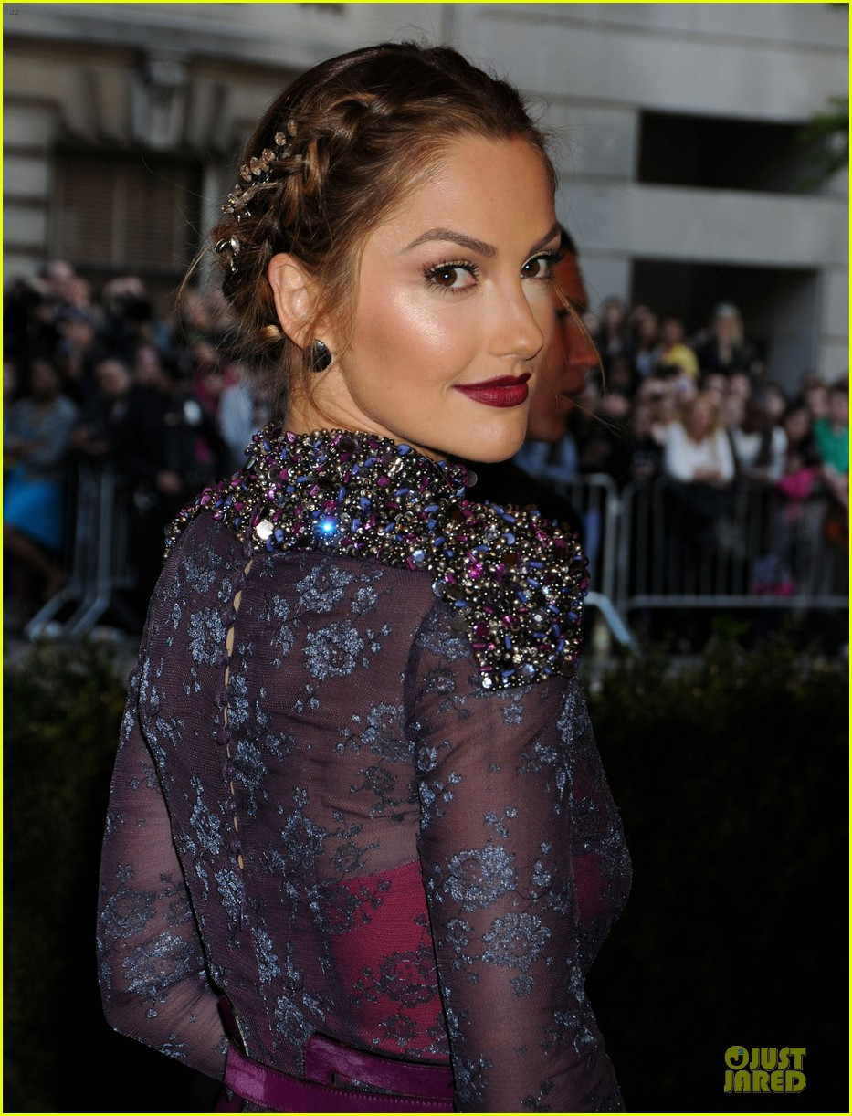 minka kelly met ball 2013 red carpet 09
