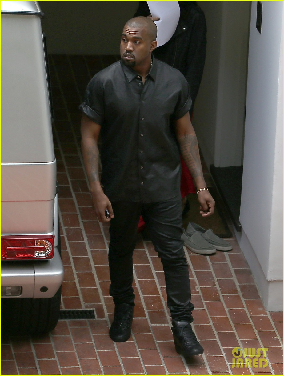 kim kardashian kanye west house hunting in beverly hills 112868003