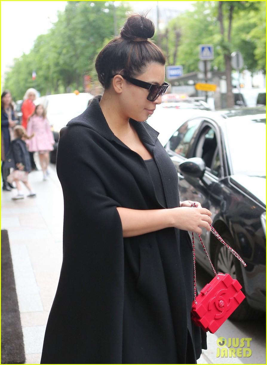 FFN_Kardashian_Kim_CHP_052213_51107025