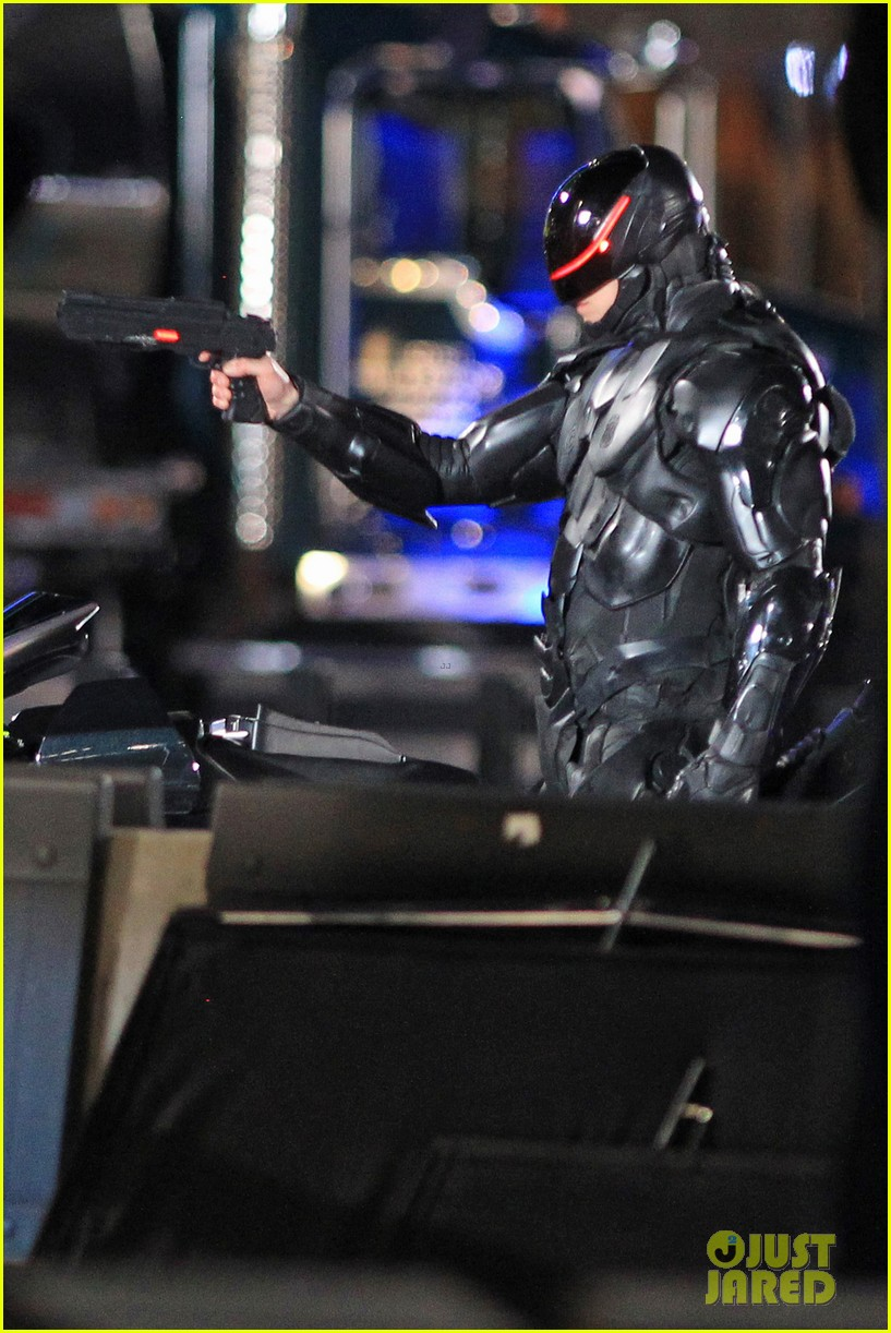 joel kinnaman suits up for robocop reshoots 152868919