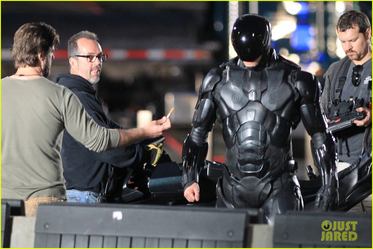 joel kinnaman suits up for robocop reshoots 192868923