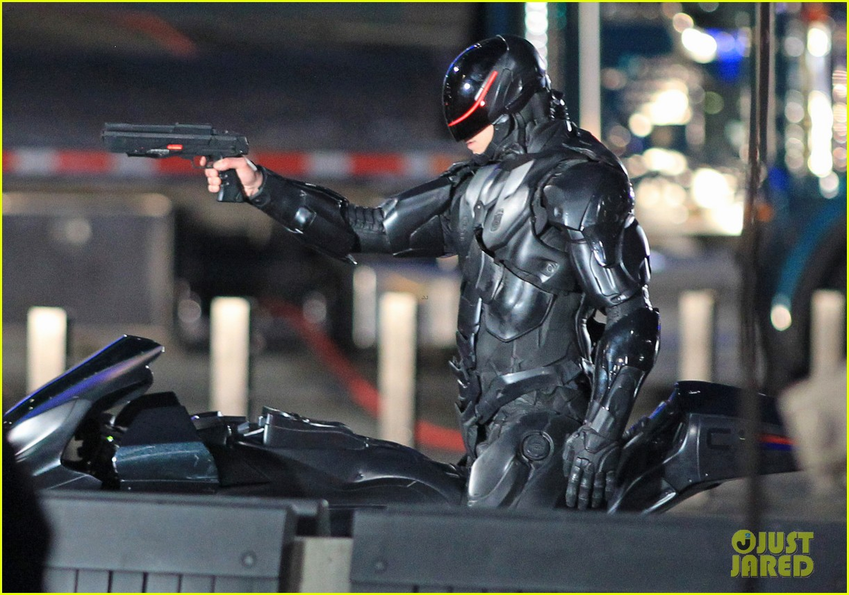 joel kinnaman suits up for robocop reshoots 232868927