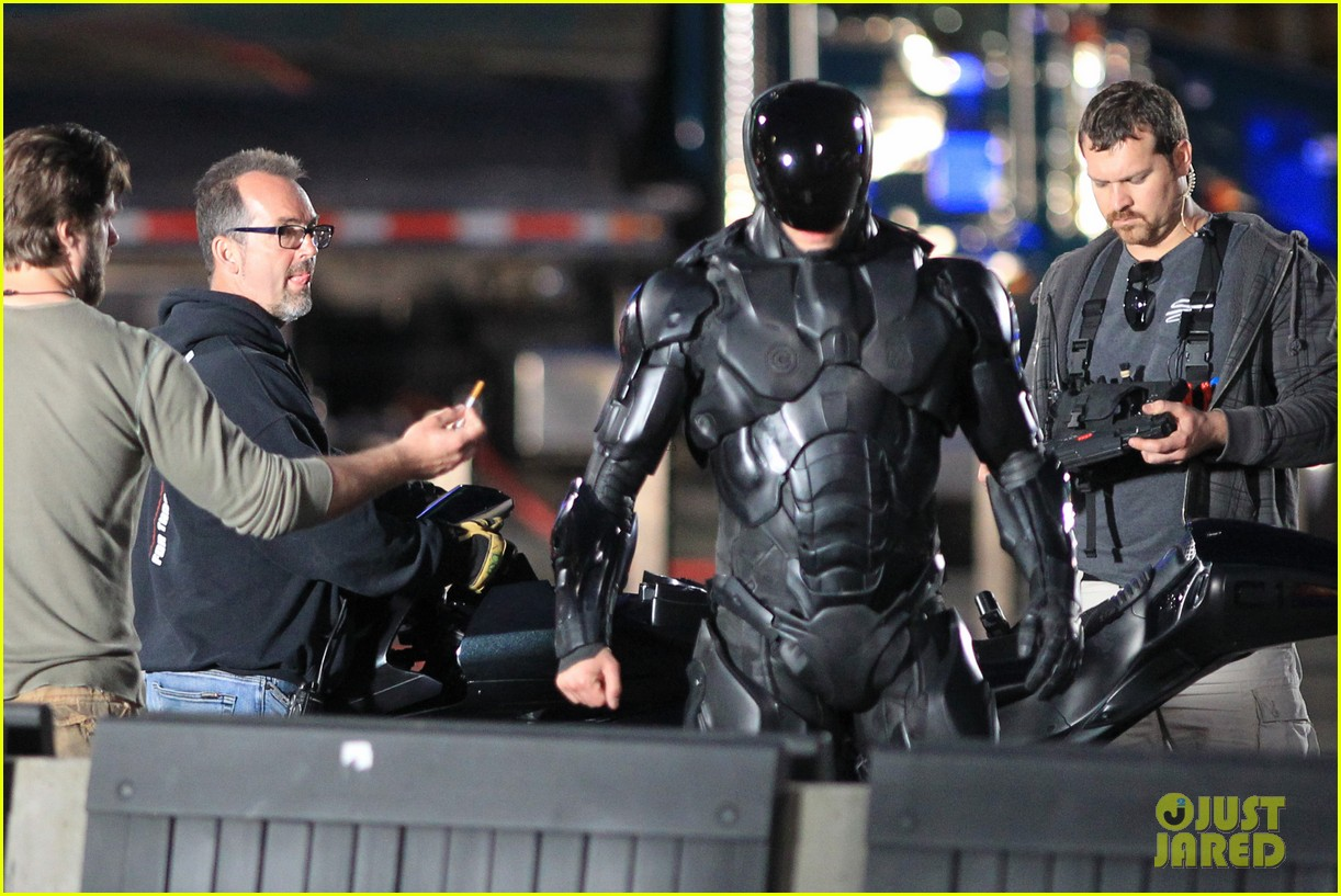joel kinnaman suits up for robocop reshoots 242868928