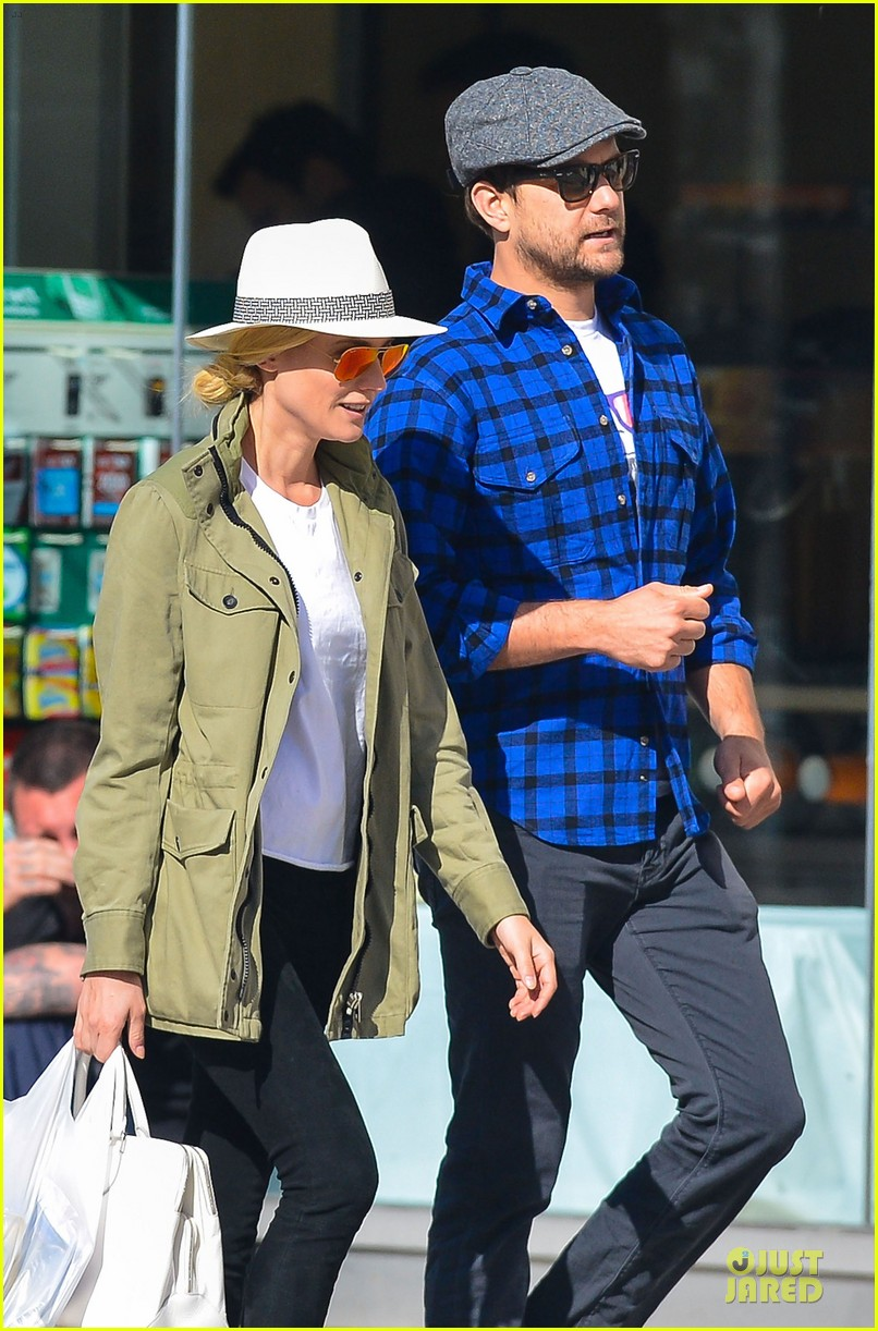 diane kruger joshua jackson east village shopping couple 022864568