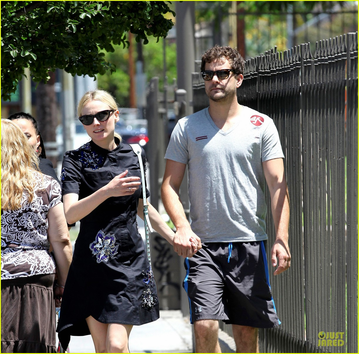 diane kruger hold hands after lunch 022874102