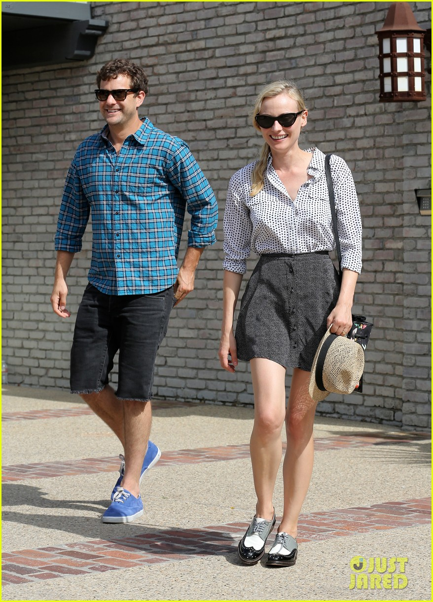 diane kruger joshua jackson joel silver memorial day party 05