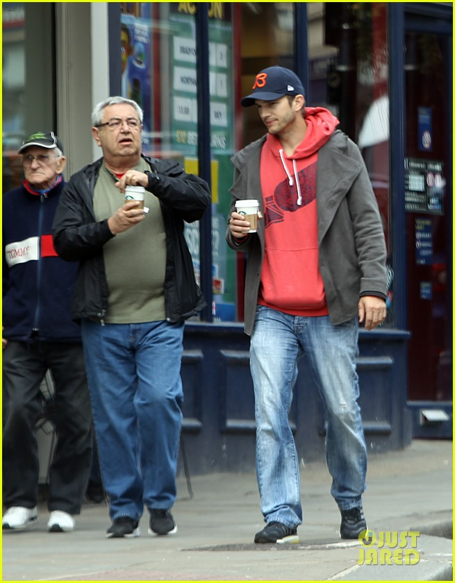 mila kunis ashton kutcher london coffee with the parents 182872775