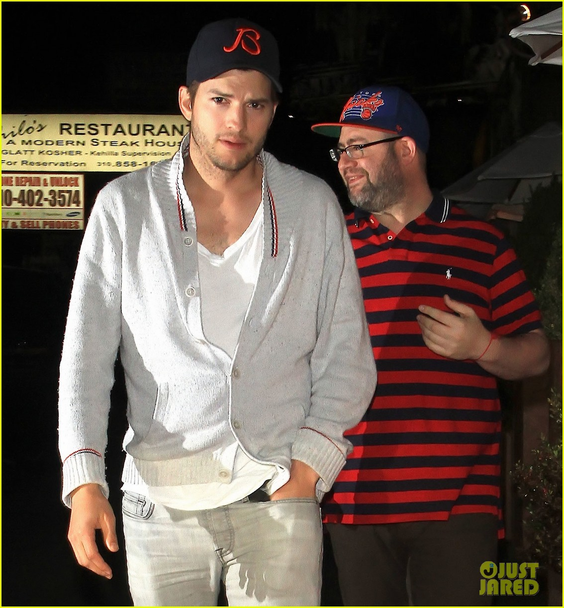 ashton kutcher travels home mila kunis hangs with parents 092874829
