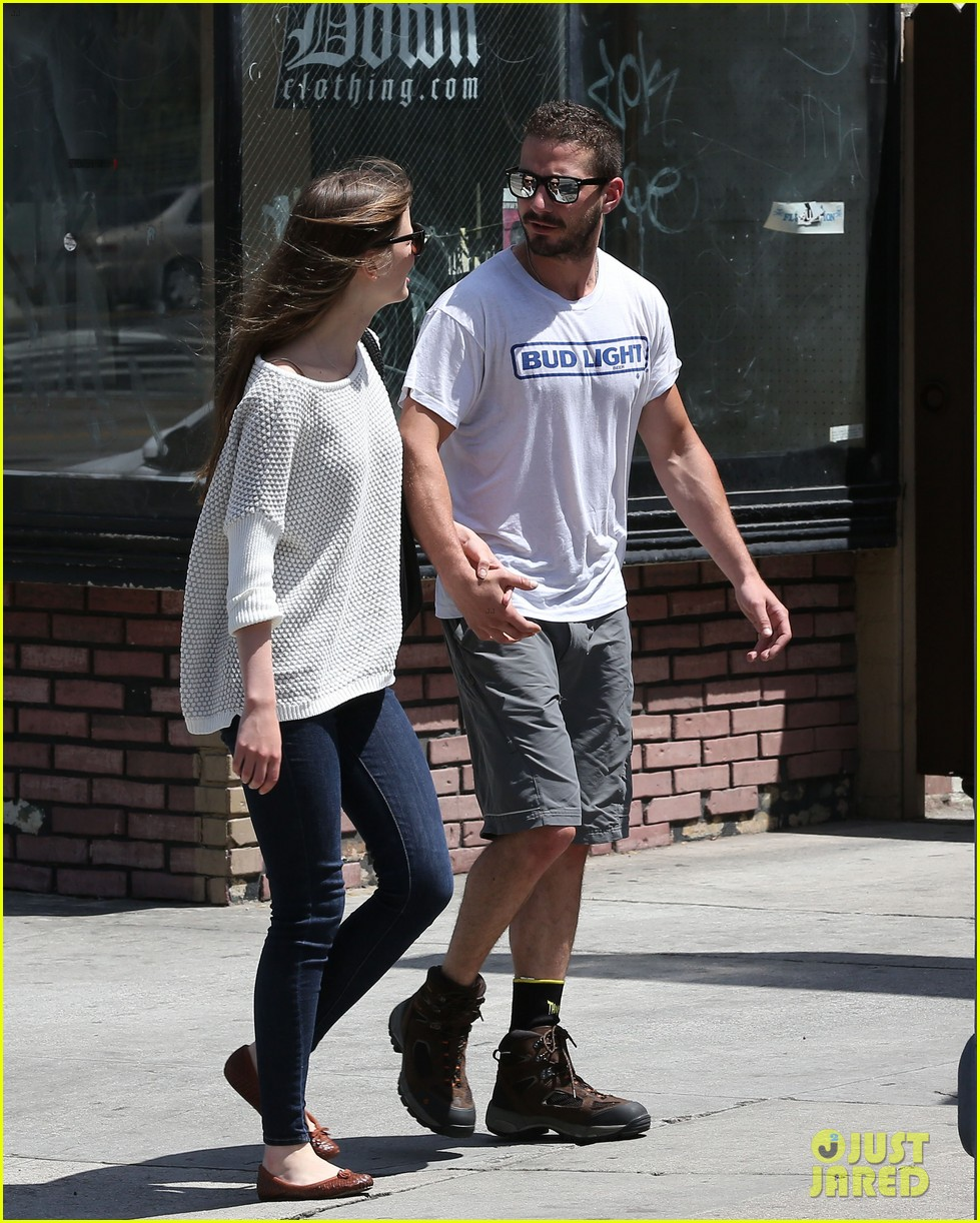 shia labeouf mia goth martial arts class couple 04