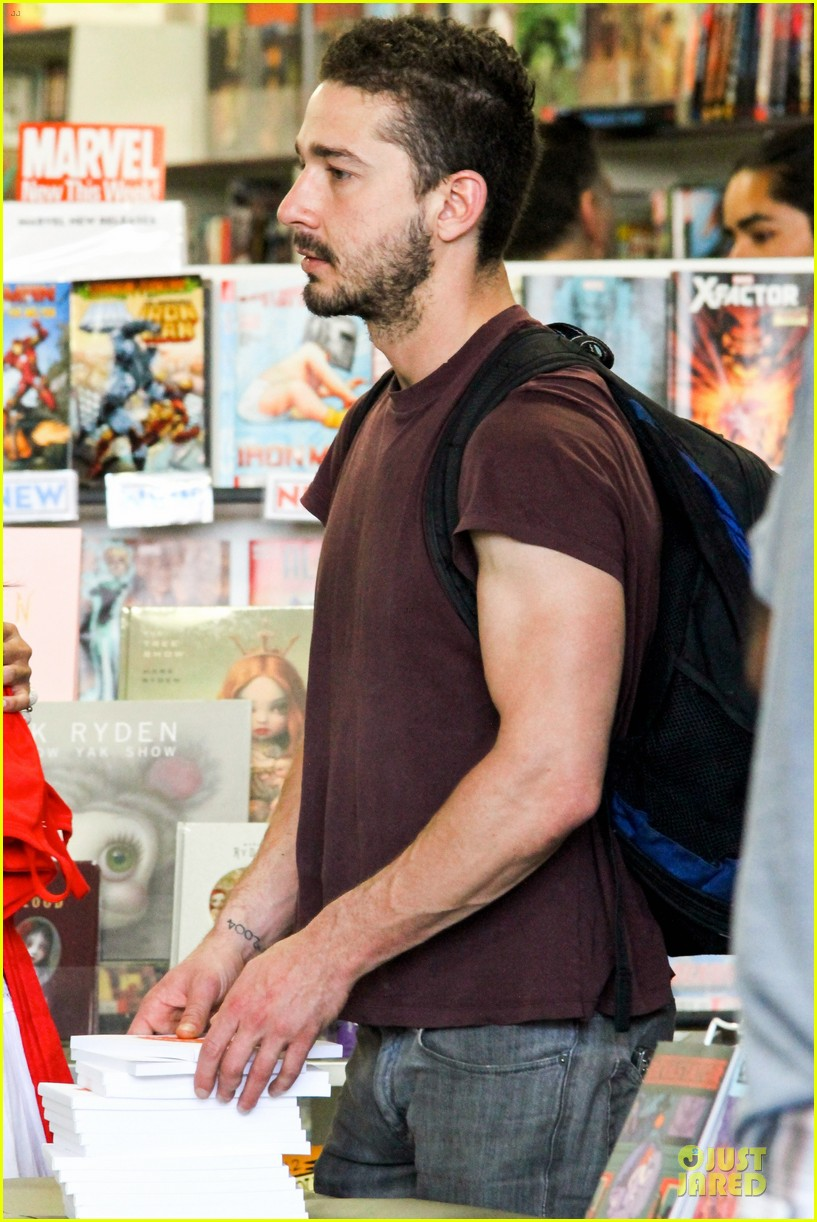 shia labeouf stale n mate book signing 192863618