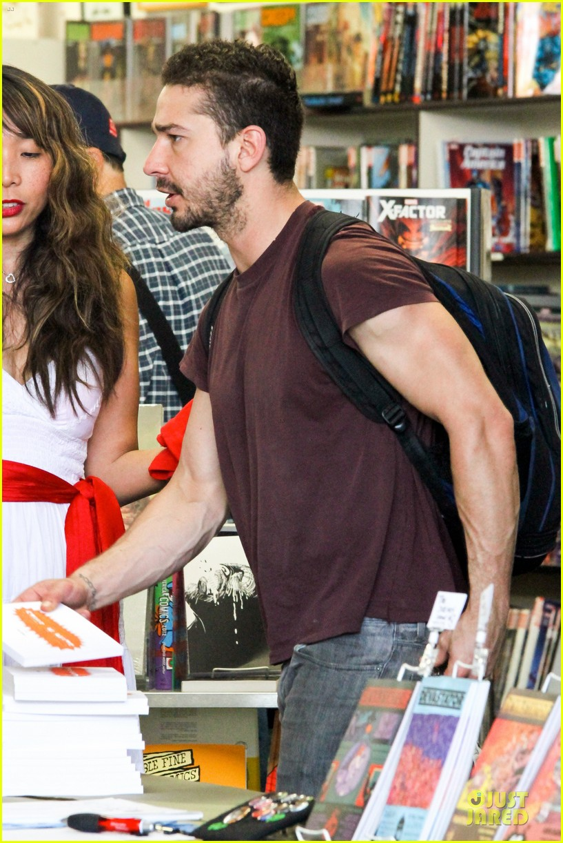 shia labeouf stale n mate book signing 202863619