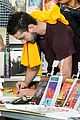 shia labeouf stale n mate book signing 03