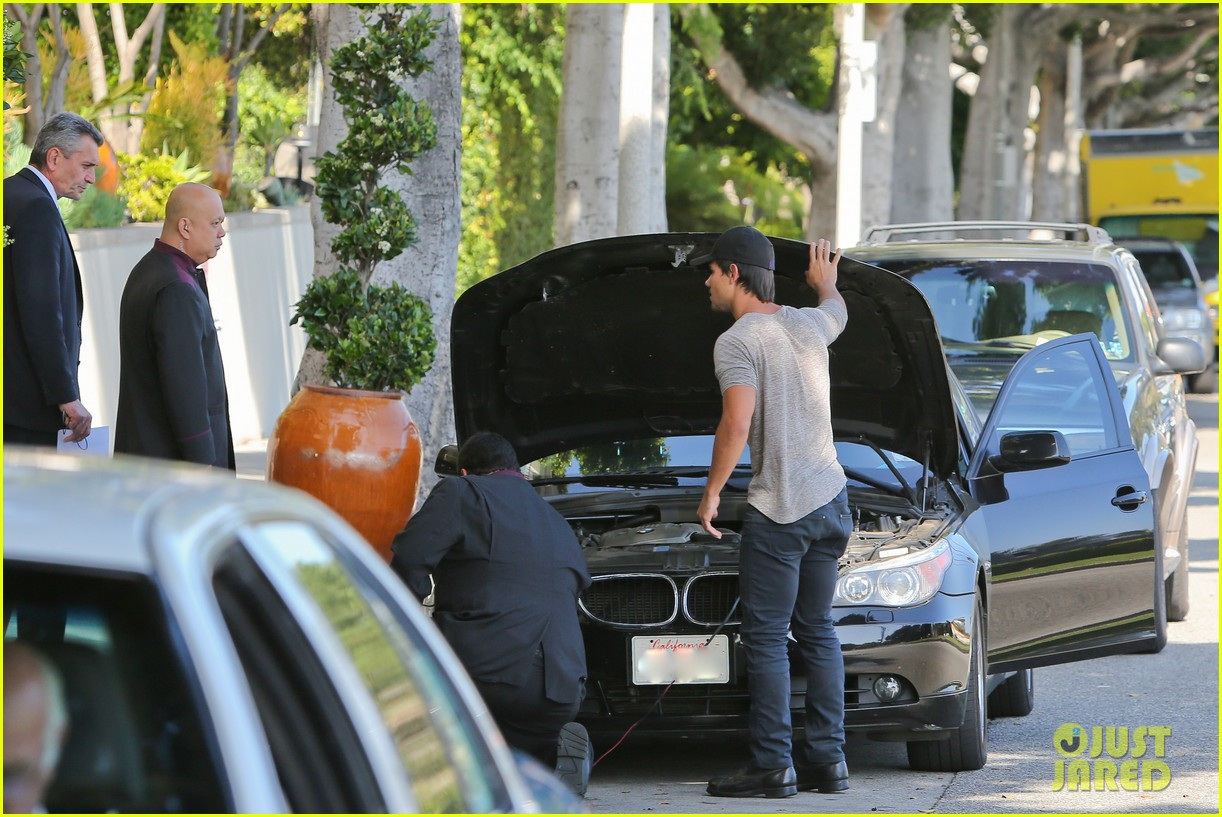 taylor lautner needs jump start after hotel meeting 082867190