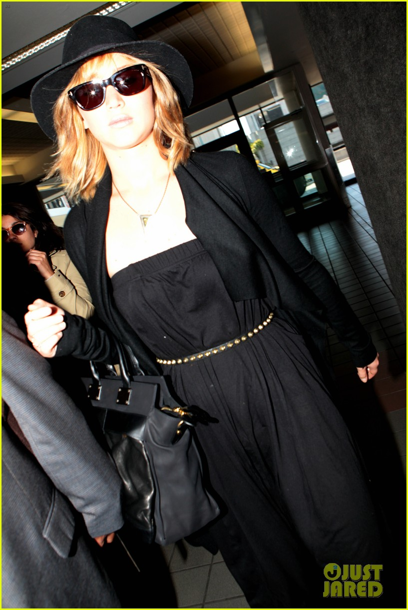jennifer lawrence jets off to montreal for x men shoot 032869474