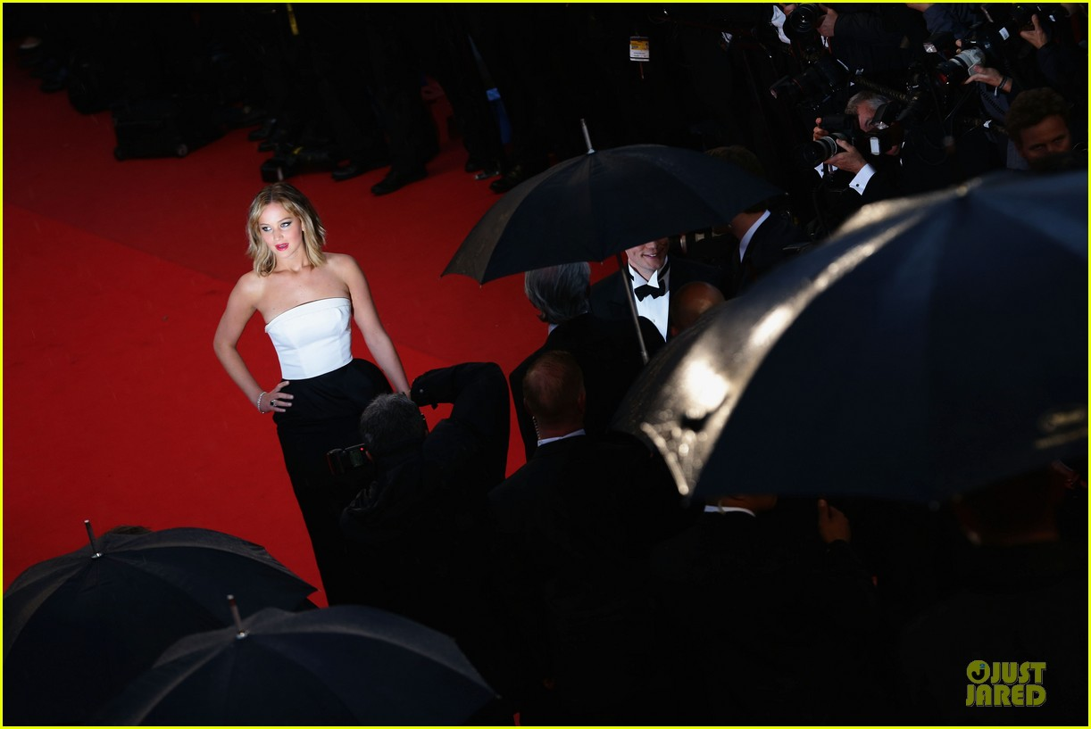 jennifer lawrence liam hemsworth jimmy p cannes premiere 112872842