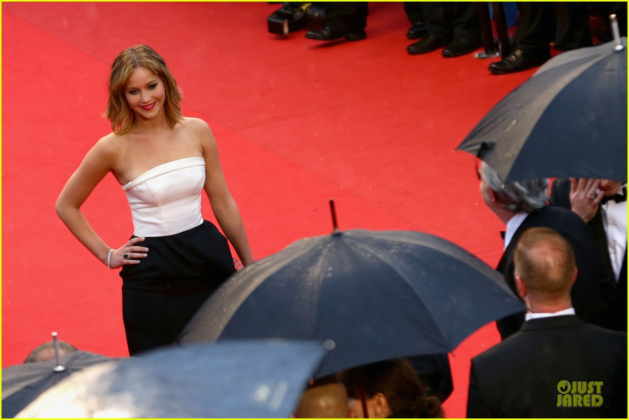 jennifer lawrence liam hemsworth jimmy p cannes premiere 122872843