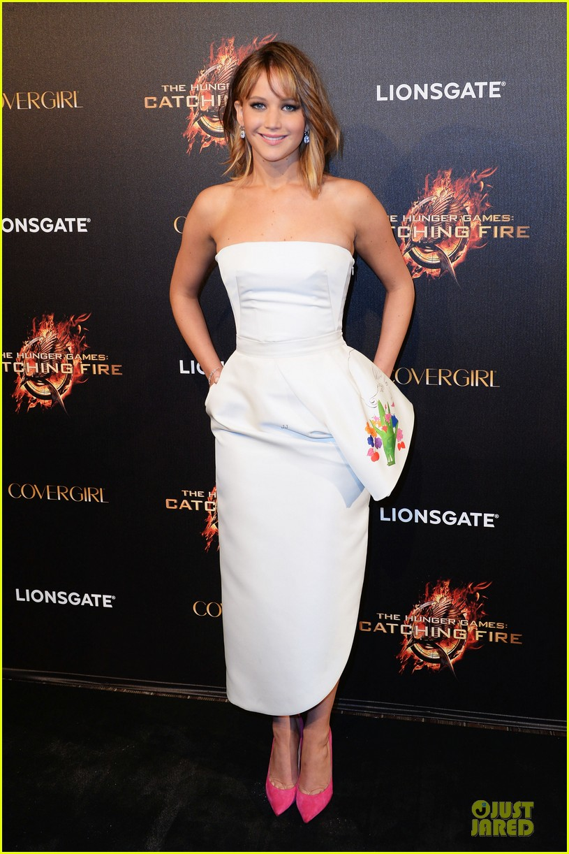 jennifer lawrence liam hemsworth catching fire cannes party 062873029