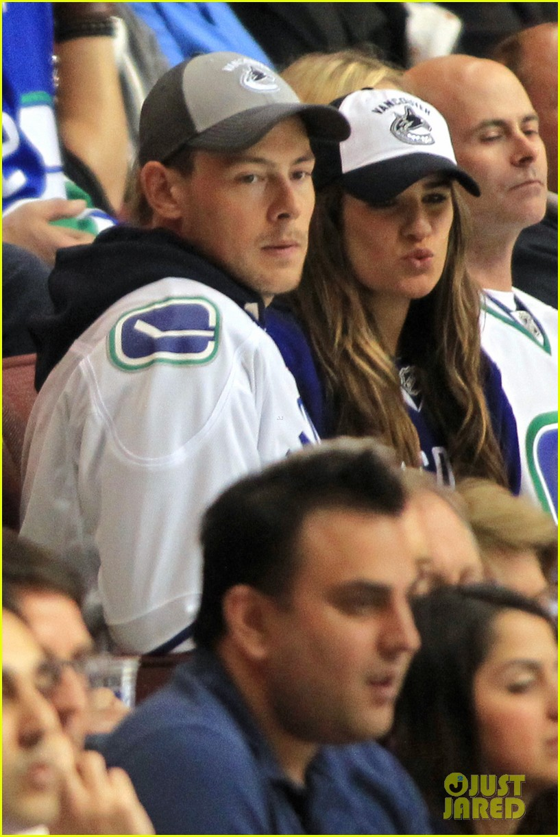 lea michele cory monteith cheer on the canucks 102862410