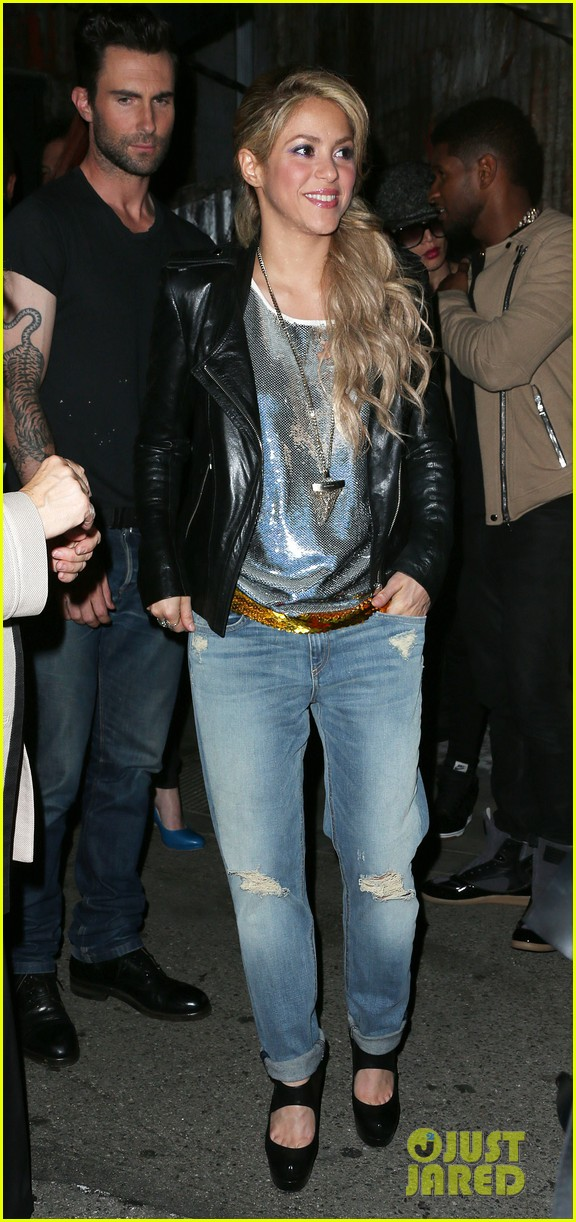adam levine shakira the voice season 4 finalists party 04