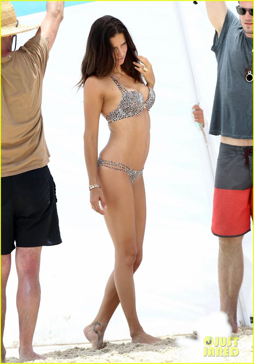 adriana lima bikini victorias secret photo shoot 012866588