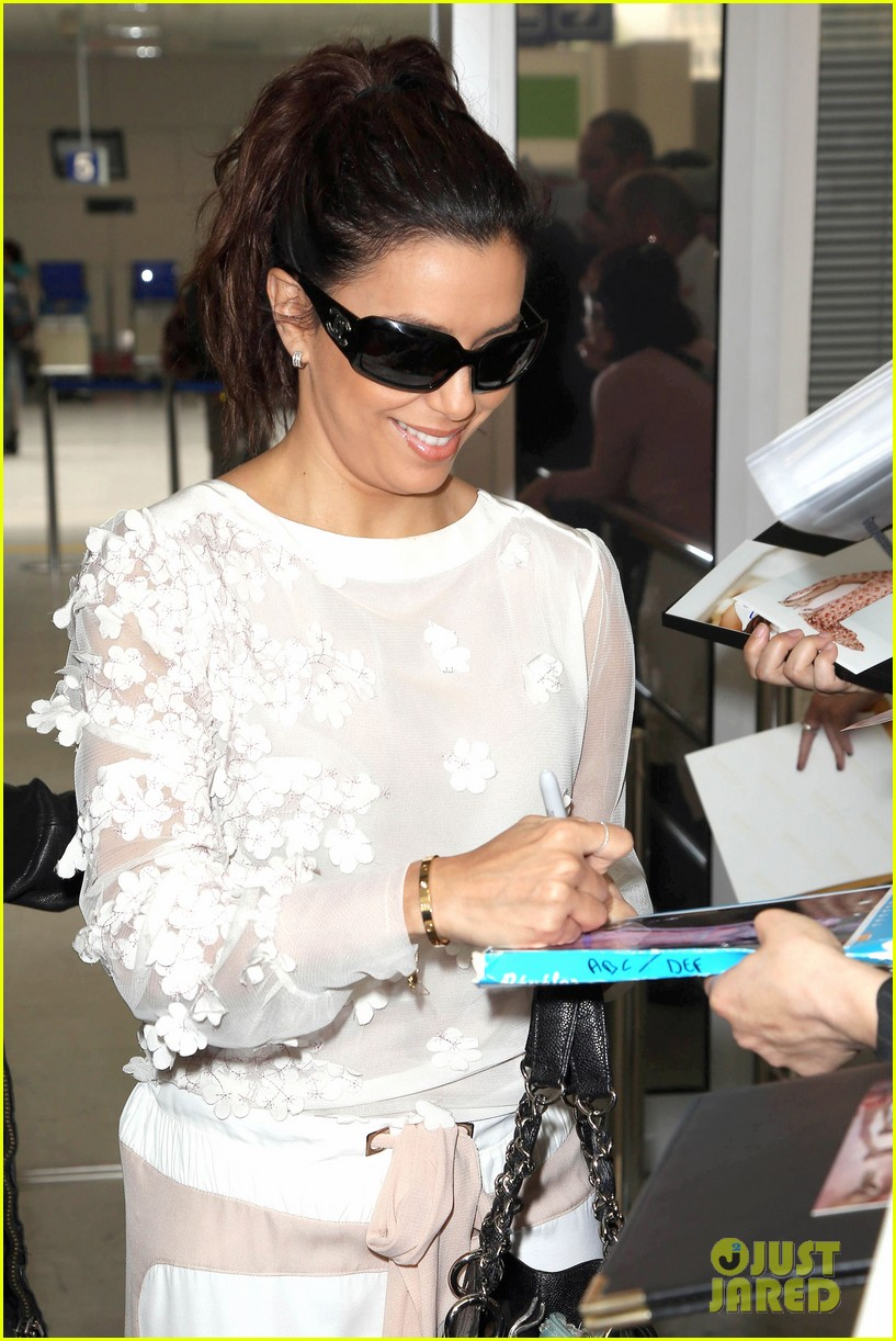 eva longoria liv tyler arrive for cannes film festival 11