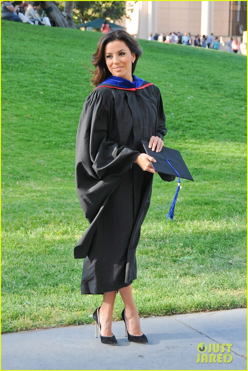 eva longoria graduates with a masters degree from csu 162876545