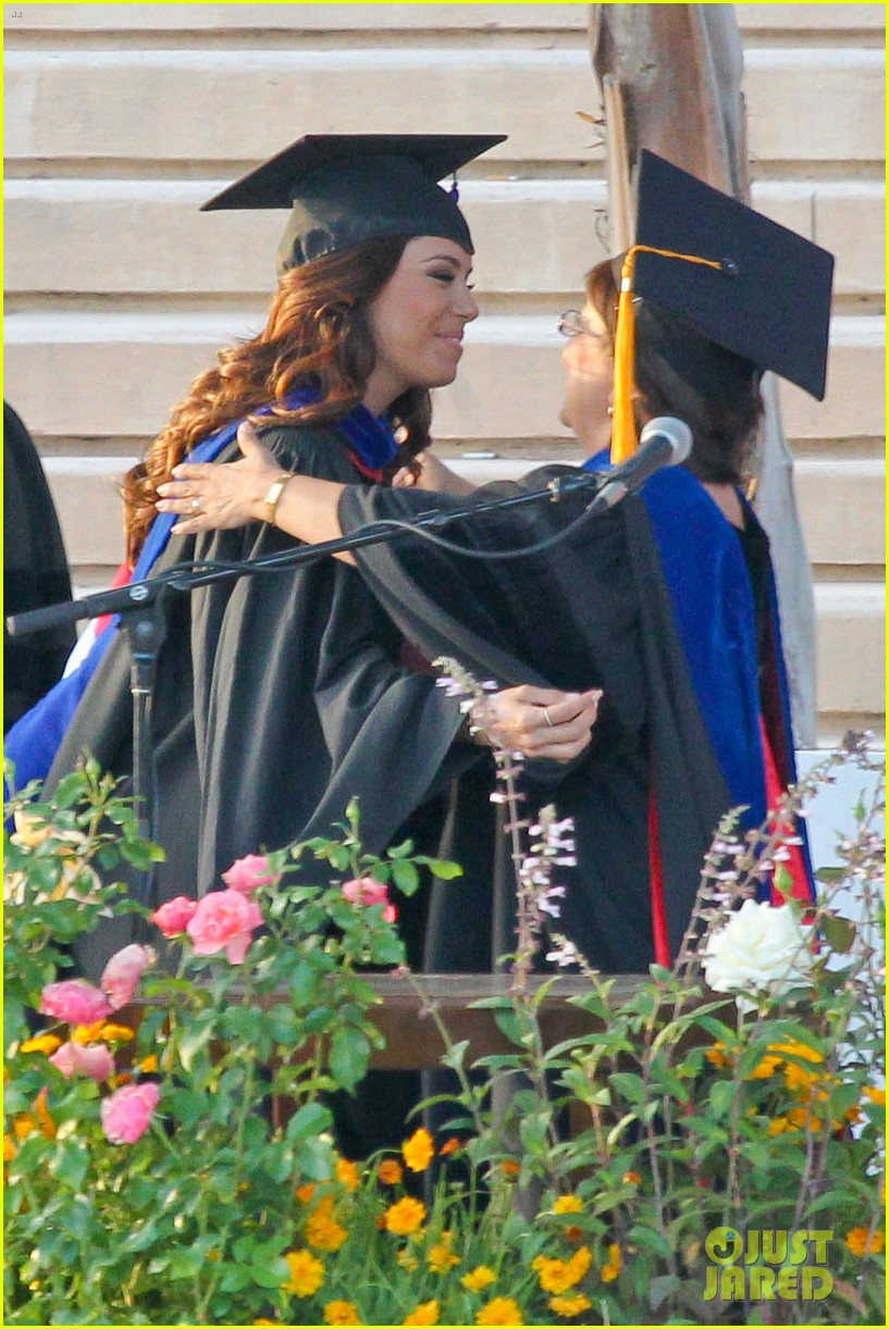 eva longoria graduates with a masters degree from csu 302876559