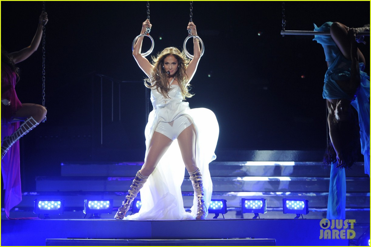 jennifer lopez american idol finale performance video 012872038