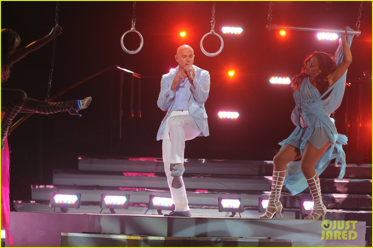 jennifer lopez american idol finale performance video 062872043