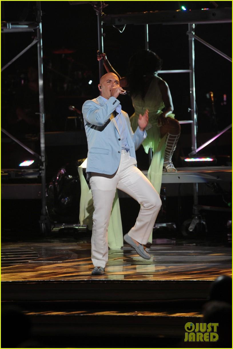 jennifer lopez american idol finale performance video 082872045