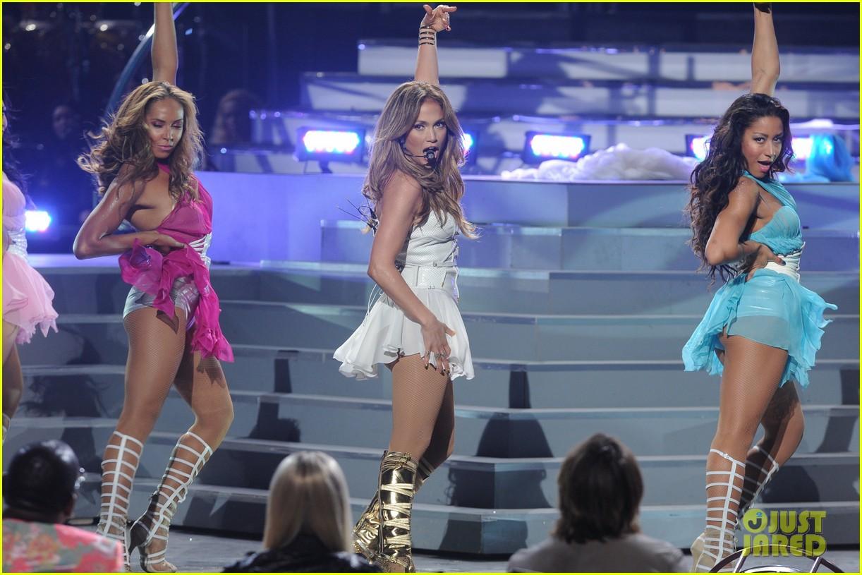 jennifer lopez american idol finale performance video 102872047