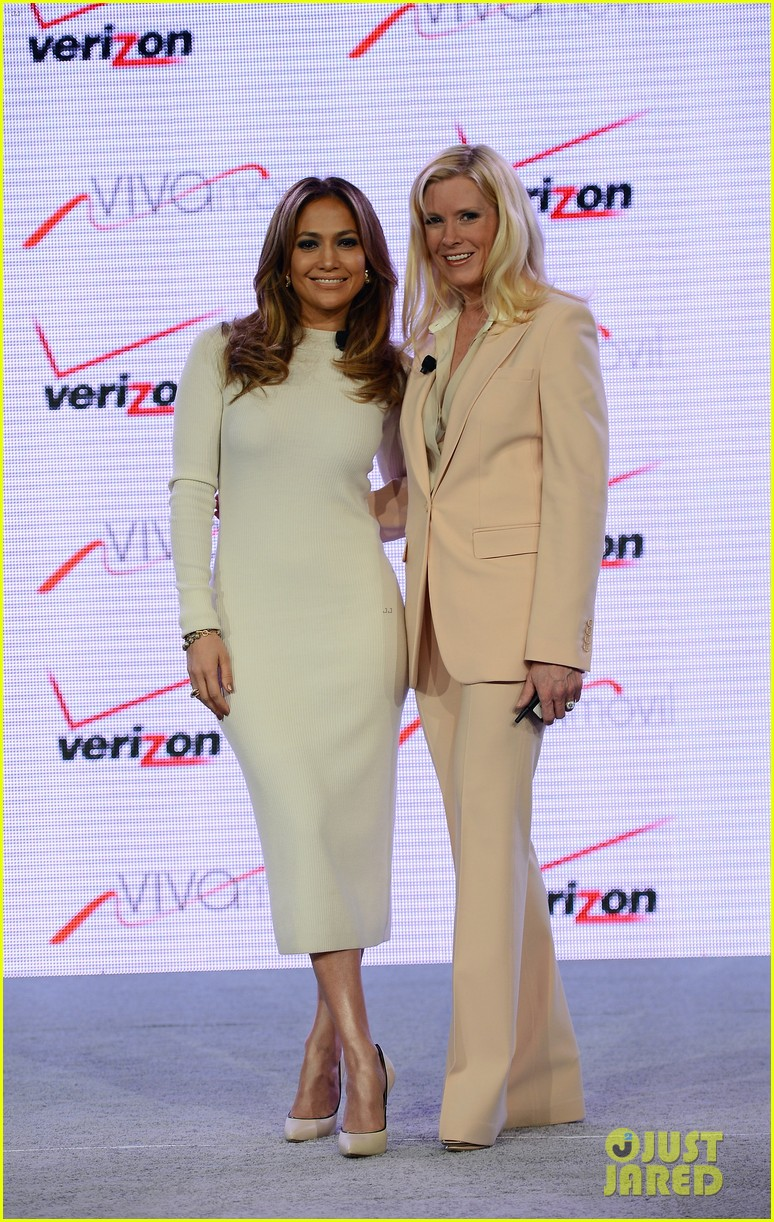 jennifer lopez verizon viva movil press conference 032876328