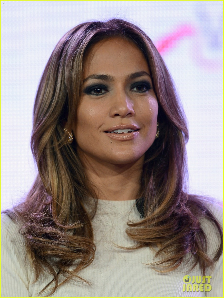 jennifer lopez verizon viva movil press conference 182876343