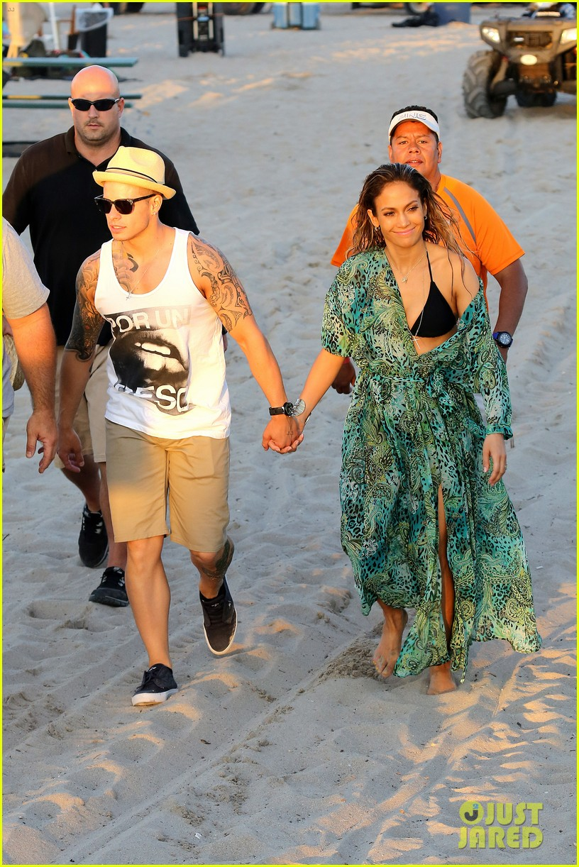 jennifer lopez music video set with shirtless casper smart 032864702