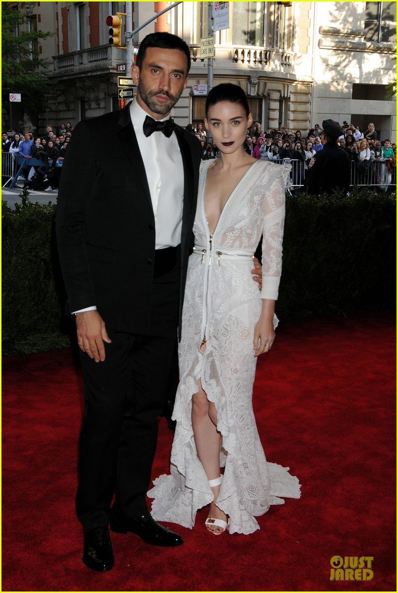 rooney mara met ball 2013 red carpet 012865046