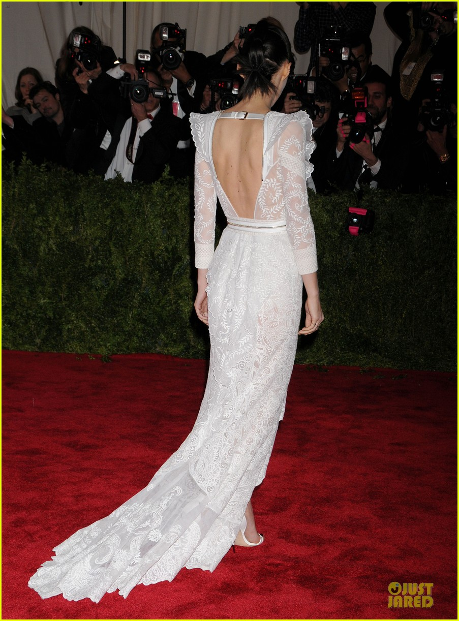 rooney mara met ball 2013 red carpet 052865050