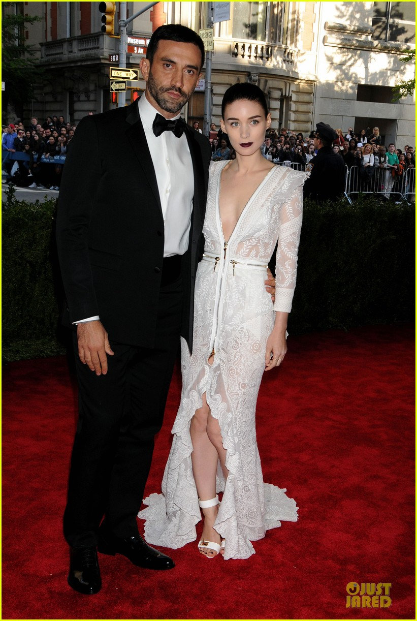 rooney mara met ball 2013 red carpet 062865051
